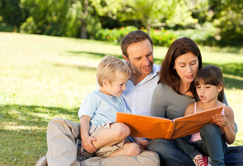 Family Picture - Reading a book